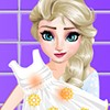 game Elsa Washing Clothes for Newborn